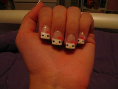 hello kitty face nails