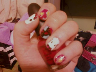 hello kitty fingernails