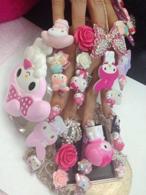 Hello Kitty wtf nails