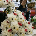 hello-kitty-flower-pile