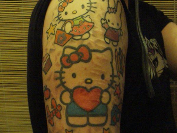 Hello Kitty tattoo heart