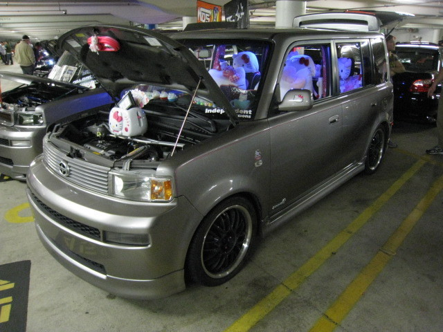 Hello Kitty Scion xB
