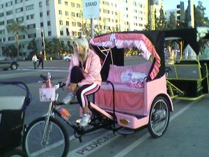 http://www.kittyhell.com/wp-content/uploads/2008/04/hello-kitty-pedicab-300x225.jpg