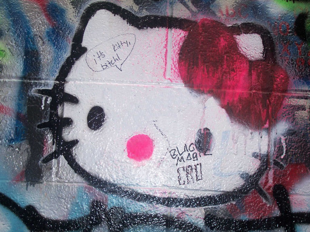 hello-kitty-graffiti