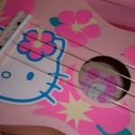 hello-kitty-ukulele-1