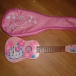 hello-kitty-ukulele