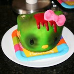 hello-kitty-zombie-cake-3