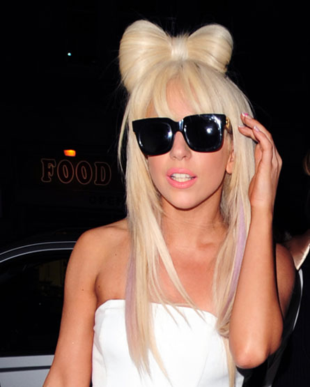 101 Responses to Hello Kitty Lady Gaga Hair Bow