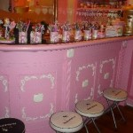 hello-kitty-bar