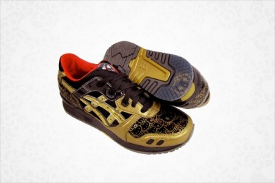 Hello Kitty Asics gold black shoes