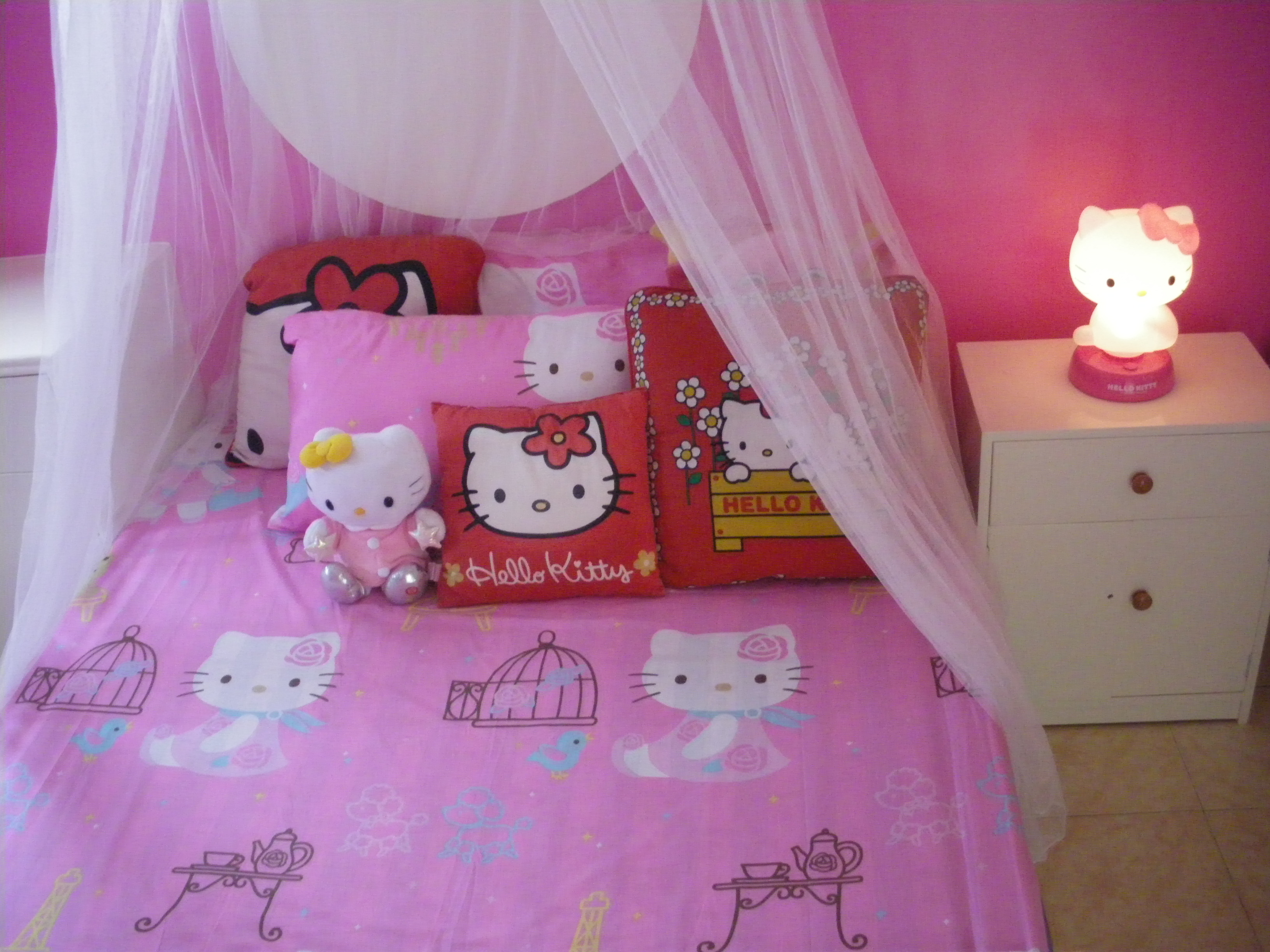 montanharrussa da hello kitty