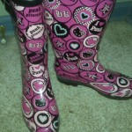 hello-kitty-rainboots