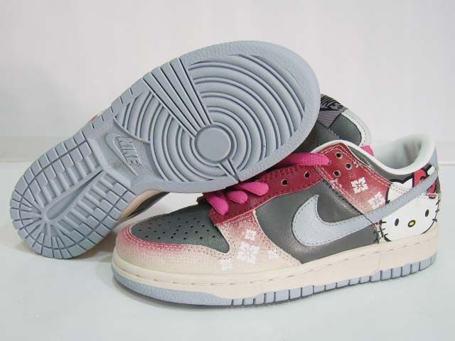 there are also plenty of Hello Kitty Nike shoe mods out there as well