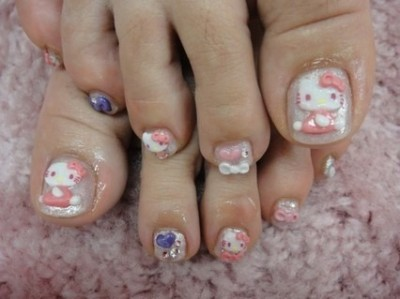 hello kitty pedicure