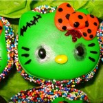 hello kitty Halloween cupcake