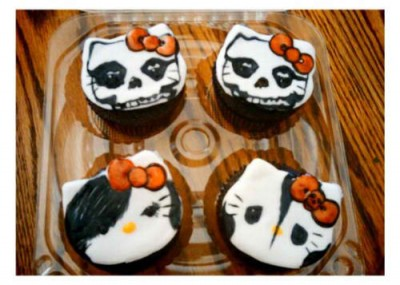 Halloween cupcakes featuring Hello Kitty