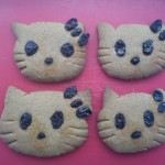 hello kitty gingerbread raisen cookies