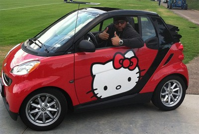 http://www.kittyhell.com/wp-content/uploads/2011/10/football-player-hello-kitty-car-400x271.jpg