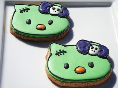 Hello Kitty zombie Halloween cookies