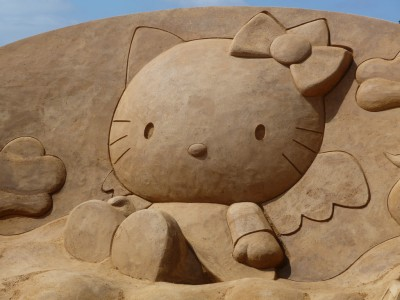Hello Kitty sand sculpture art