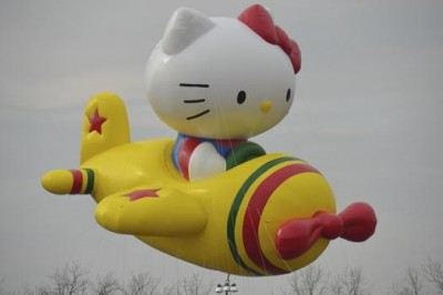 Hello Kitty Macy's Thanksgiving parade balloon
