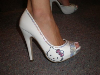 Hello Kitty bride shoes
